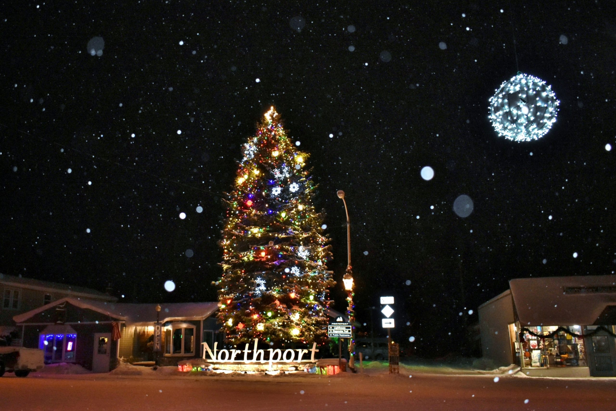 Santa Arrives to Northport